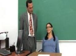 Profesor jebe učenicu