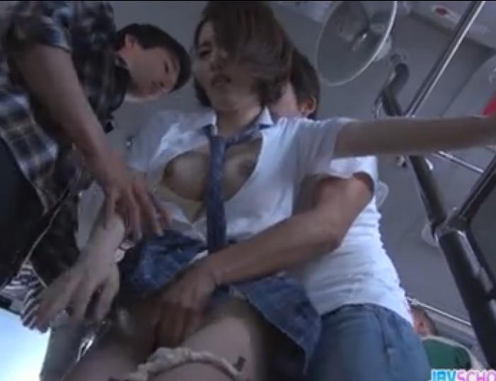 Japanski Porno u Busu